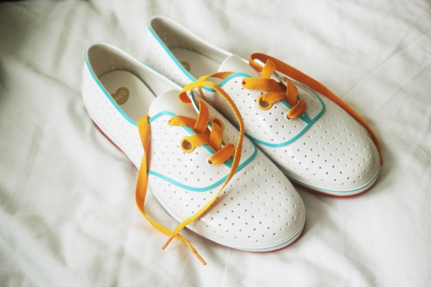 white plastic plimsolls mel melissa brand new wiffle white yellow blue red