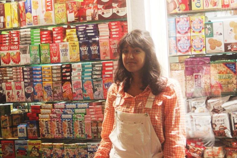 check shirt chinatown display cute packaging girl exterior