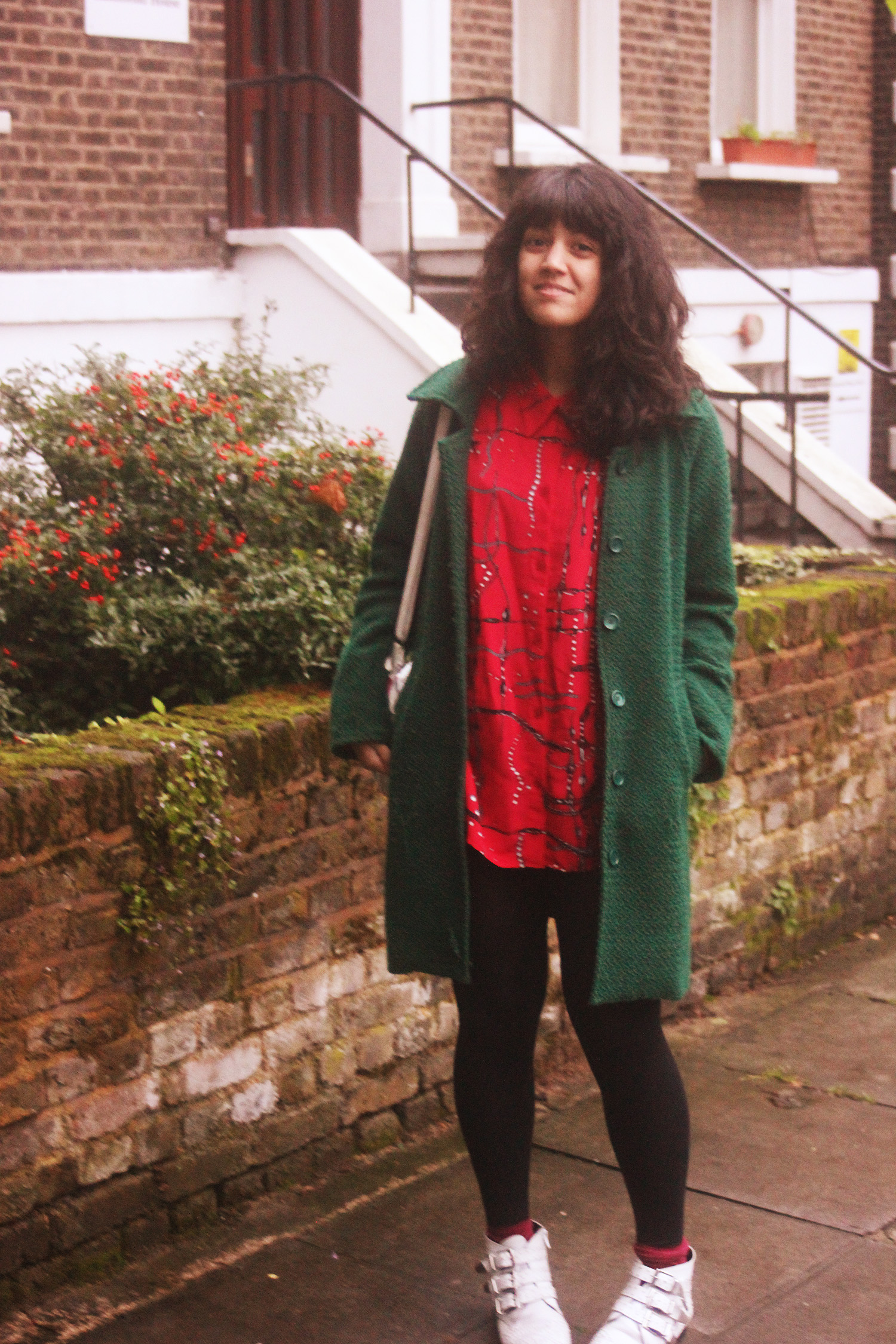 red vintage weird pattern blouse 80s pearls chains kentish town green snufkin coat white rhinestone boots outside gardens