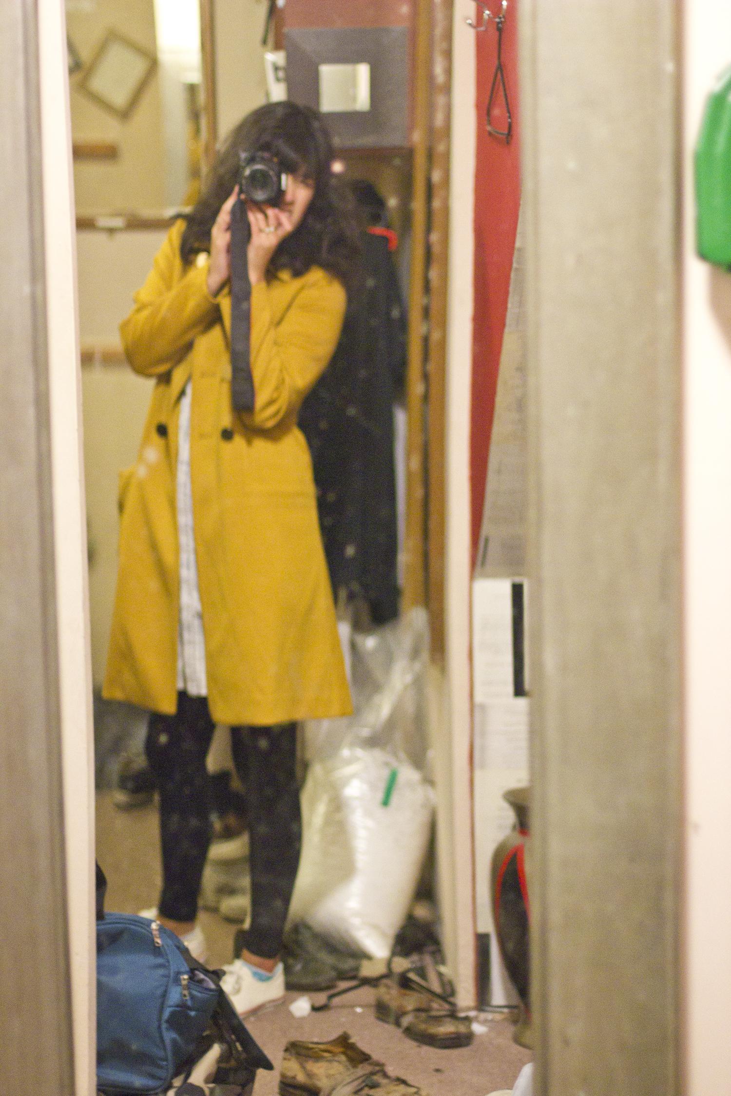 backstage long mirror selfie